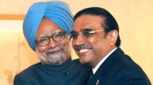 Indian Prime Minister Manmohan Singh and Pakistani President Asif Ali Zardari (Reuters)