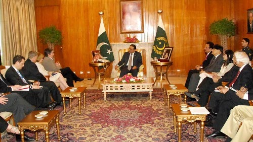 A U.S. delegation headed by Ms. Janet Napolitano, Secretary Homeland Security, called on President Asif Ali Zardari at Aiwan-e-Sadr on July 3, 2009