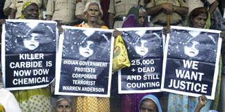 Union Carbide Officials Get 2 Years for 25,000 Deaths in Indian Court Ruling