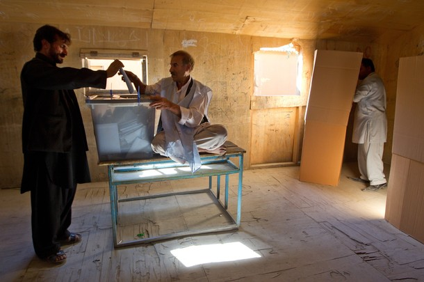 Afghan elections held amid violence; Marred by fraud and low turnout