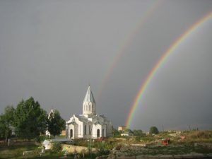 A double rainbow over the Ghazanchetsots Cathedral, in Shushi, Artsakh (Nagorno-Karabakh), taken from Hotel Shushi. (Serouj/Wikipedia)
