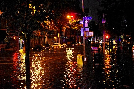 Flooded Avenue C at East 6th Street in Manhattan's East Village neighborhood of Loisaida, moments before the Con Edison power substation on 14th Street and Avenue C blew up. 30 October 2012 (Photo: David Shankbone/wikipedia)
