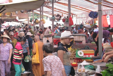 A market in Ho Chi Minh City, Vietnam (Photo courtesy of the author)
