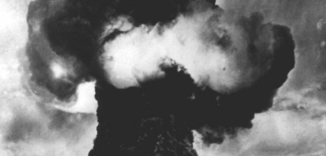 A mushroom cloud at the Semipalatinsk nuclear test site in 1949. Local residents received no advance warning of the blast. (Caption: Der Spiegel; Photo: DPA)