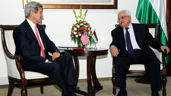 U.S. Secretary of State John Kerry meets with Palestinian President Mahmoud Abbas in Ramallah on May 23, 2013 (US State Department)