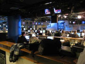 Fox News Channel newsroom (Spud/Inside Cable news. Licensed under (CC BY 2.0)