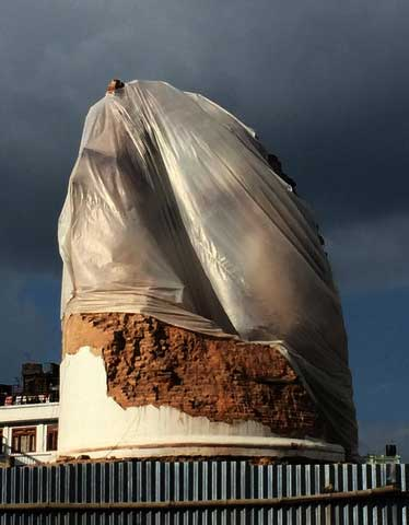 Dharahara crumbled during the April 25, 2015 quake (Photo: Alonzo Lyons)