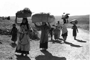 Palestinian refugees fleeing their homes, October 30, 1948 (Source: PalestineRemembered.com)