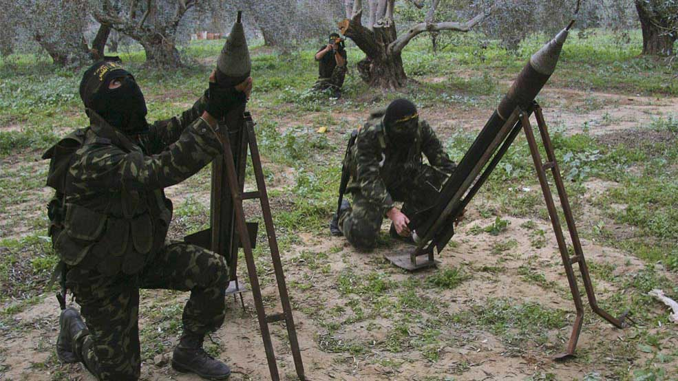 Islamic Jihad militants prepare to fire homemade rockets into Israel on the outskirts of Gaza City, January 2, 2009 (Amir Farshad Ebrahimi/CC BY-SA 2.0)